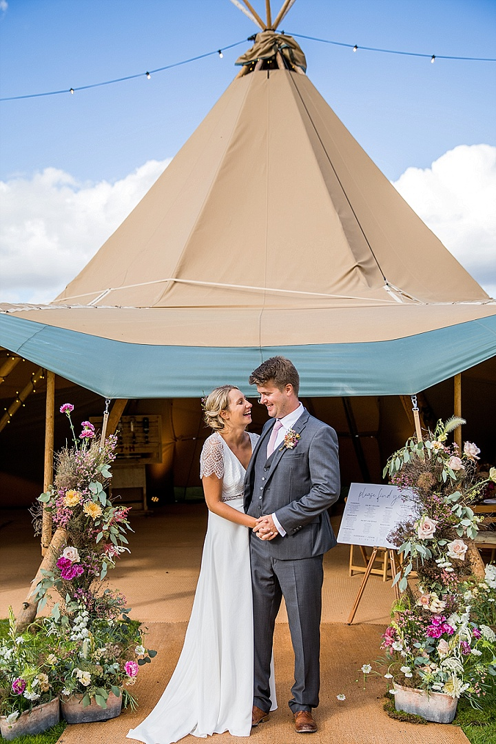 Hannah and John's Chilled Out Gloucestershire Tipi Wedding by Courtney Louise Photography