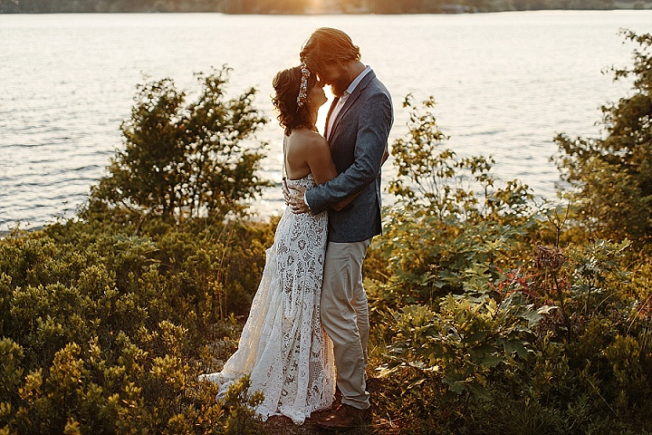 Jenelle and Parker's Full of Love, Laid Back Houseboat Wedding by Briars Atlas