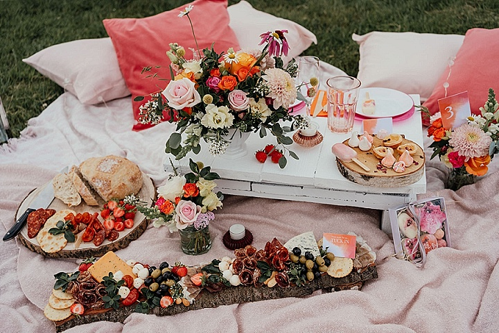 'Change of Plans' DIY Picnic Wedding Inspiration