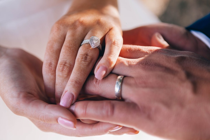Ask the Experts: The Ultimate Guide to Buying Diamond Rings