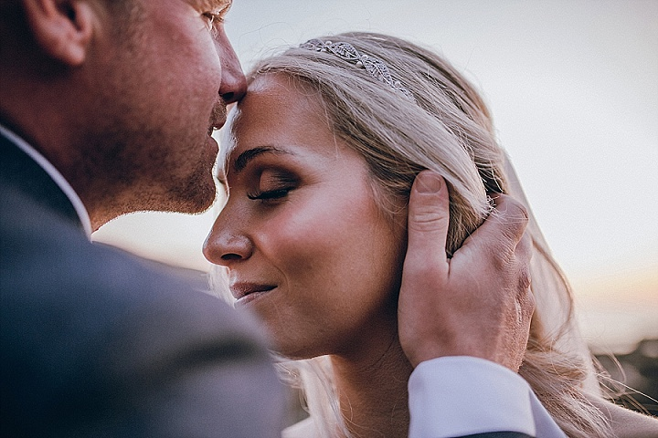 Ask The Experts: 5 Tell-Tale Signs of an Amateur Wedding Photographer
