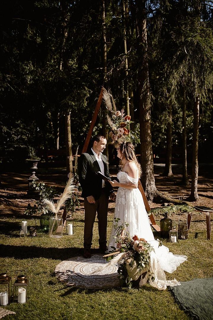 'Boho into the Woods' Elegant Cozy Styling Meets Macramé Wedding Inspiration
