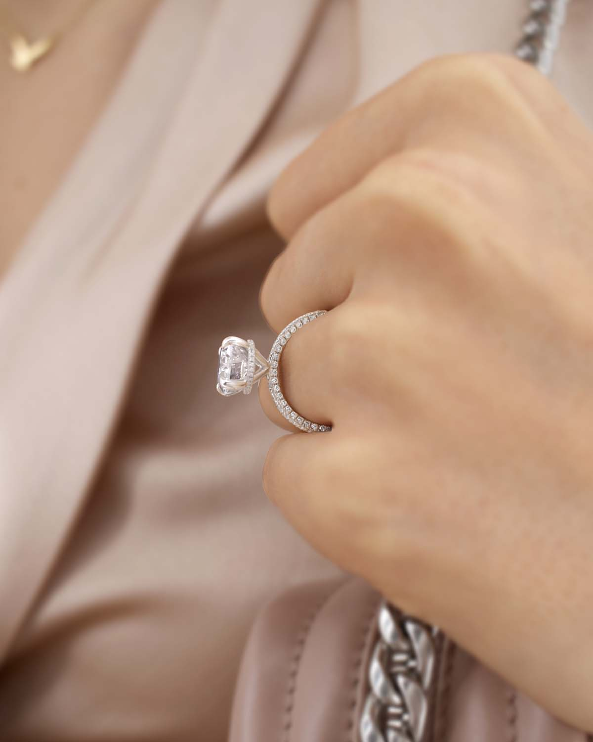 Lily Arkwright - Ethical and Environmentally Friendly Diamonds, an Amazing Alternative to Traditional Mined Diamonds